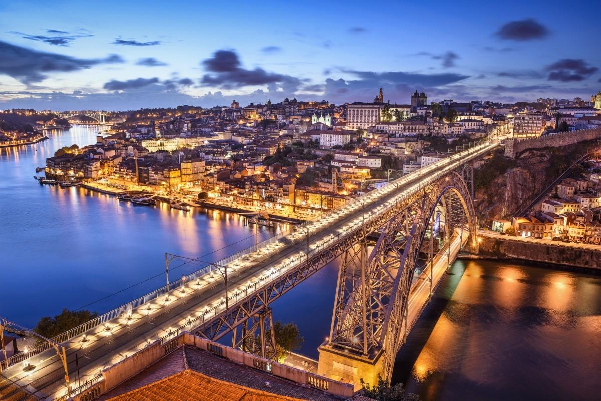 Tour Vínico no Porto com Prova de Vinhos