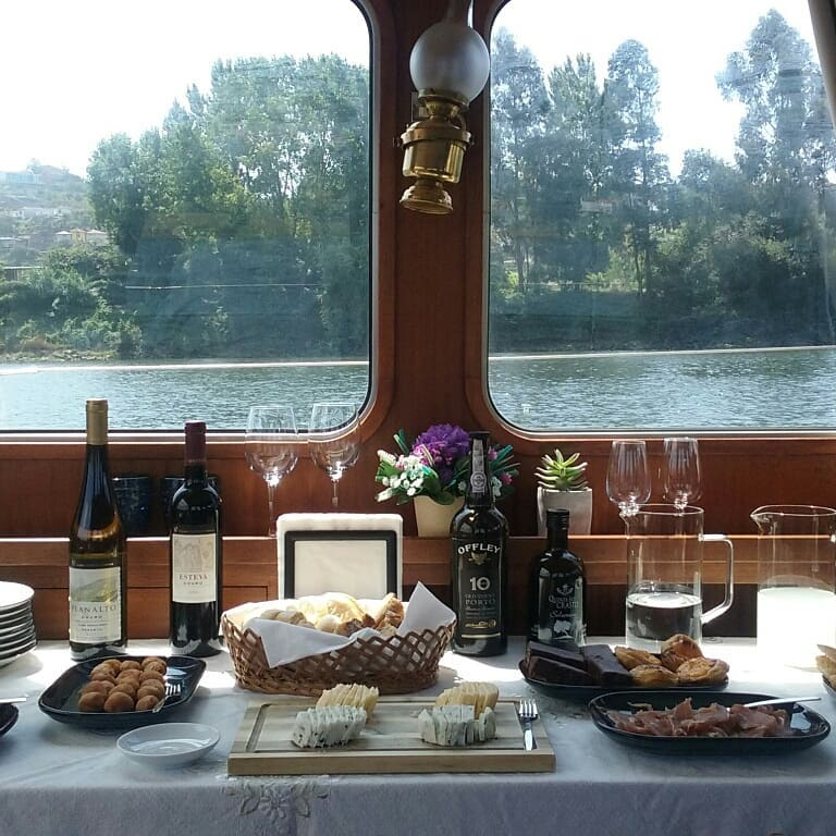 1 River, 1 Wine & 2 Cities