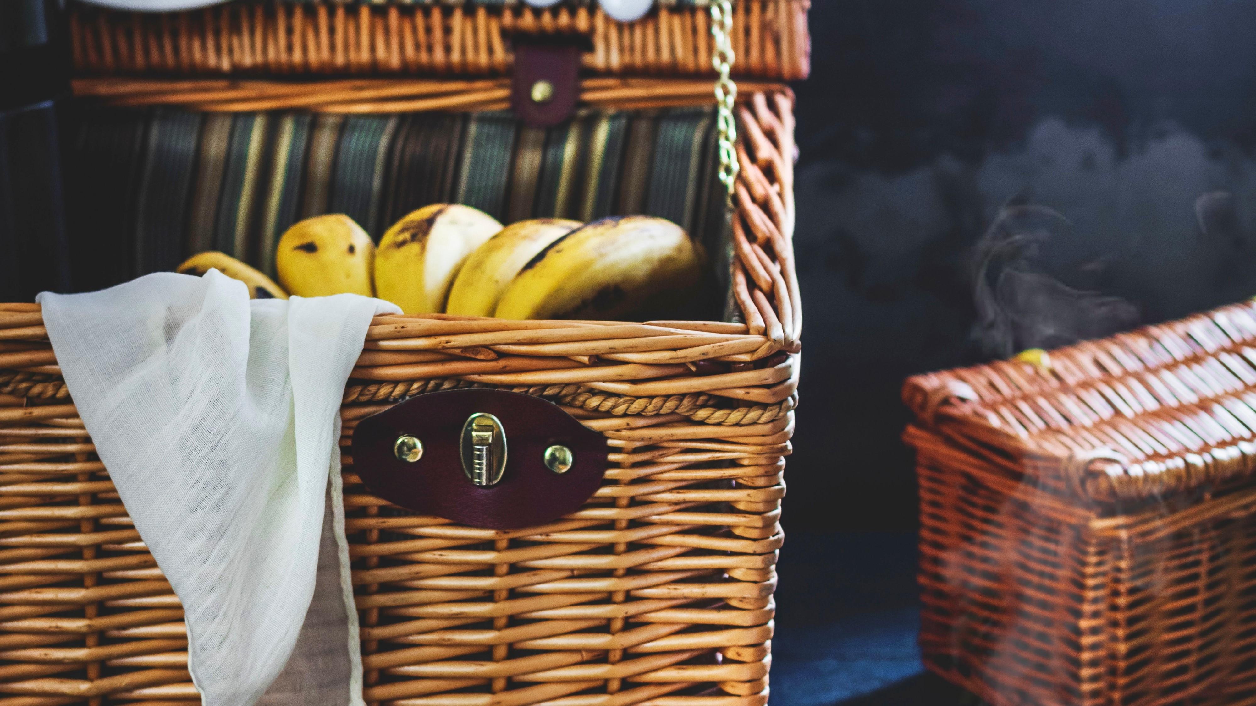 The perfect Madeira's picnic hamper