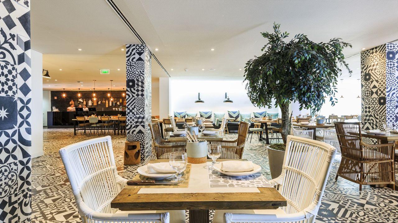 Santiago Hotel – Food & Wine