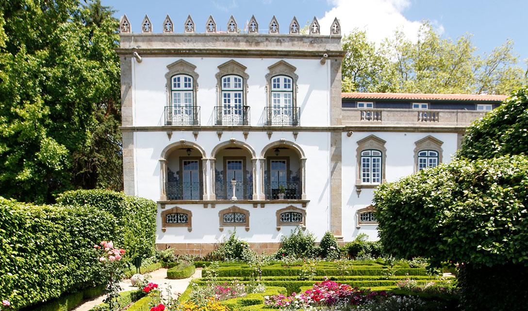 Parador Casa da Ínsua – History & Gastronomy
