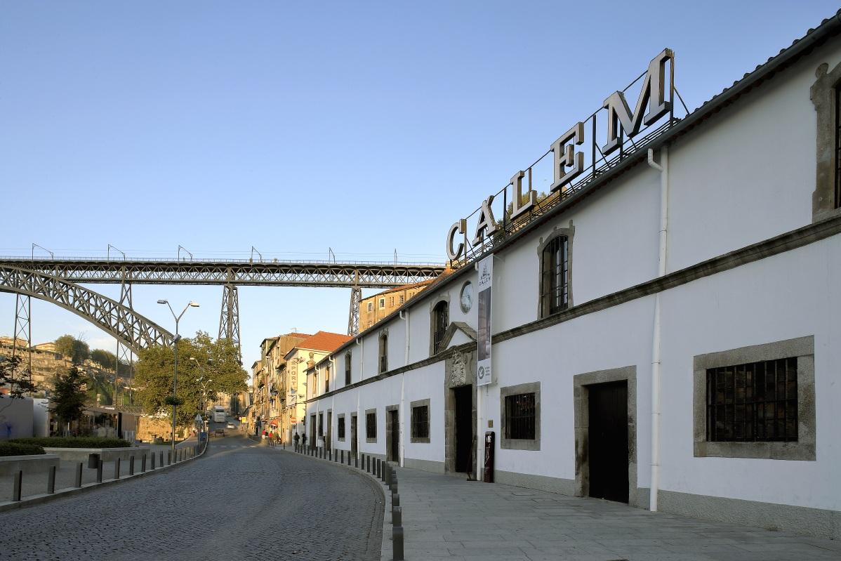 Cruzeiro pelas Pontes / Caves / Fado