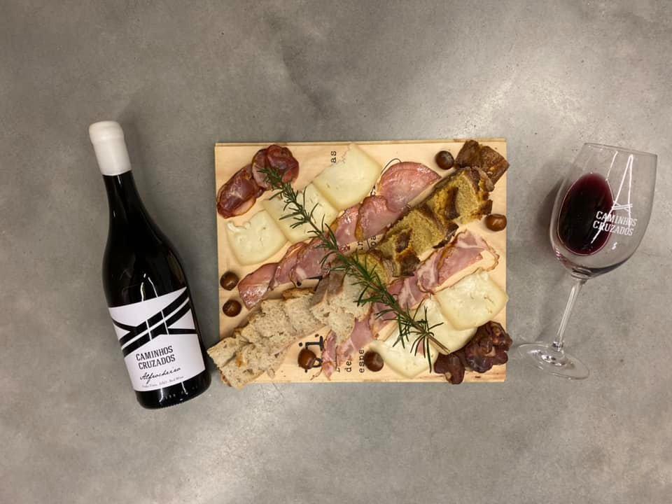 Caminhos Cruzados - Visit & Premium Wine Tasting